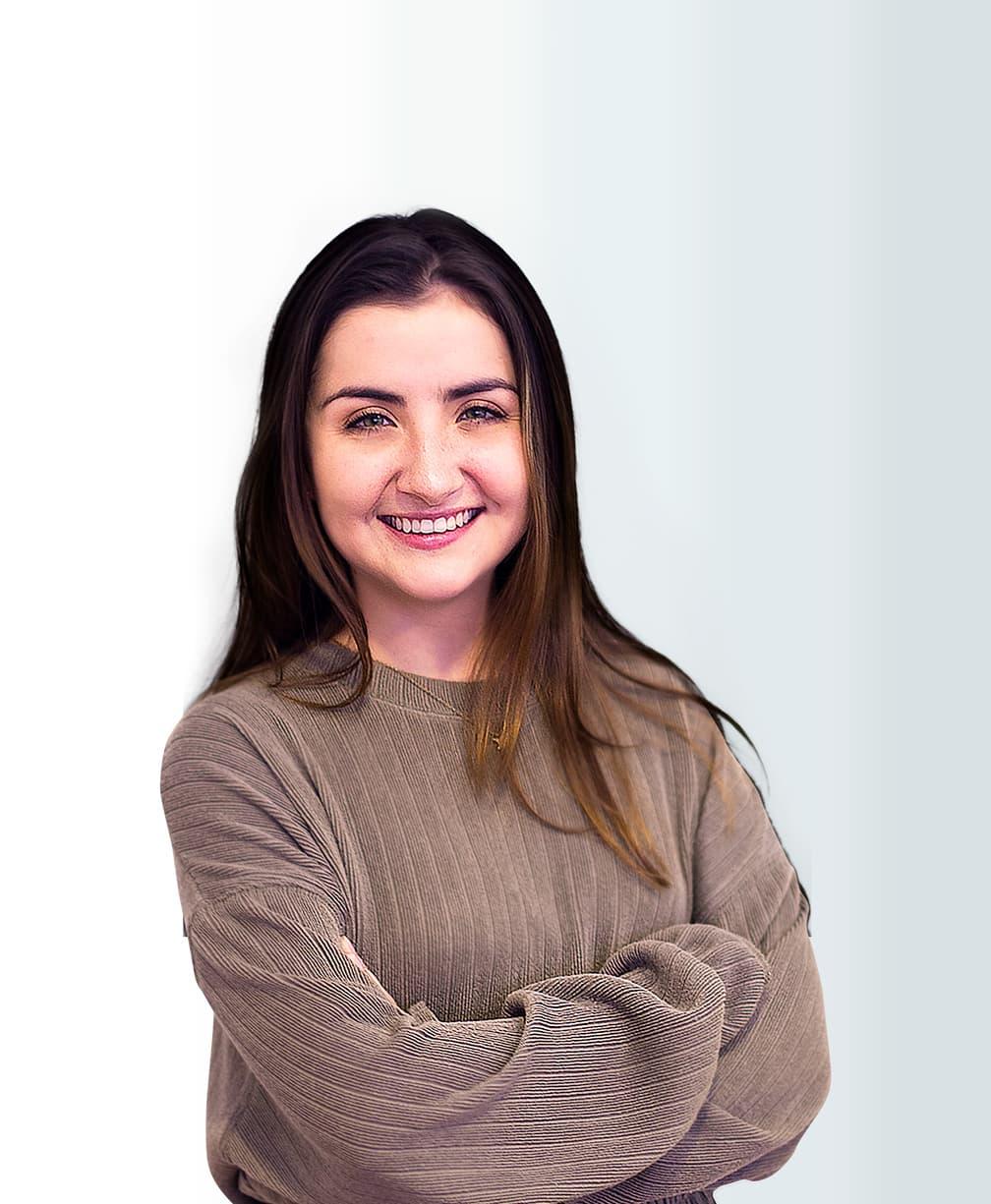 Daniela Mera Headshot