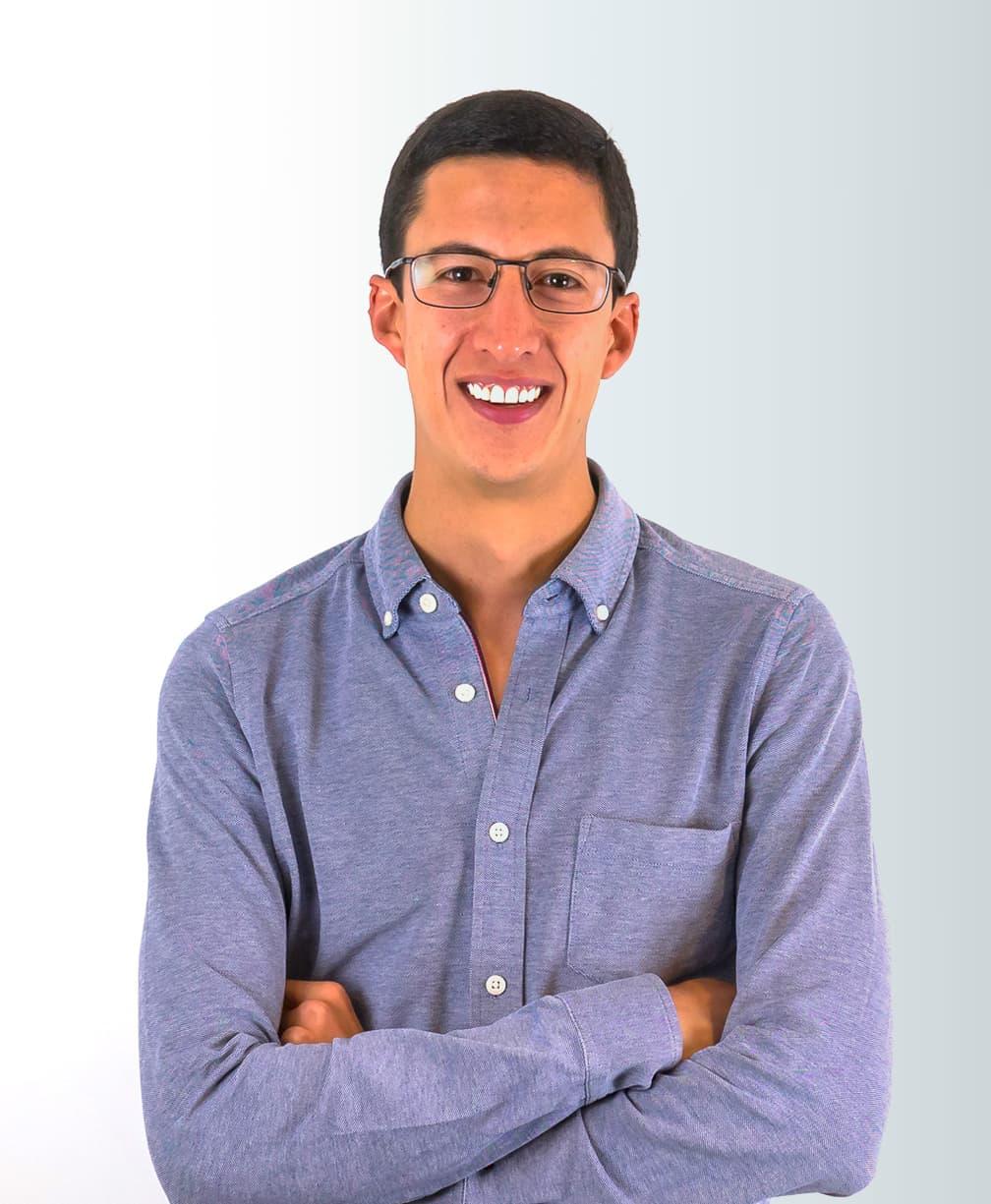 Esteban Velasco Headshot